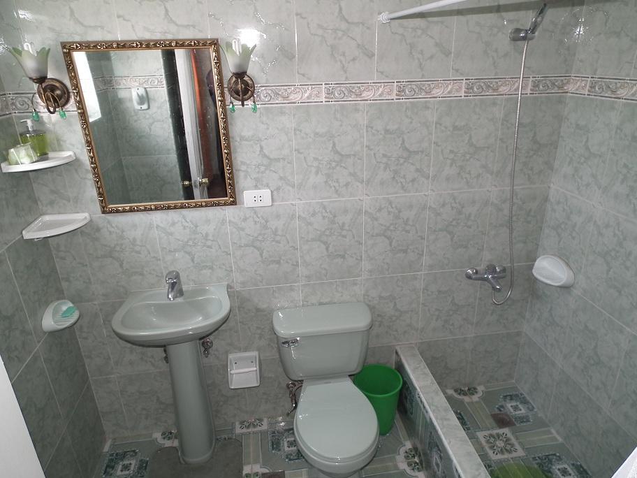 Zweites-Bad-mit-Dusche
